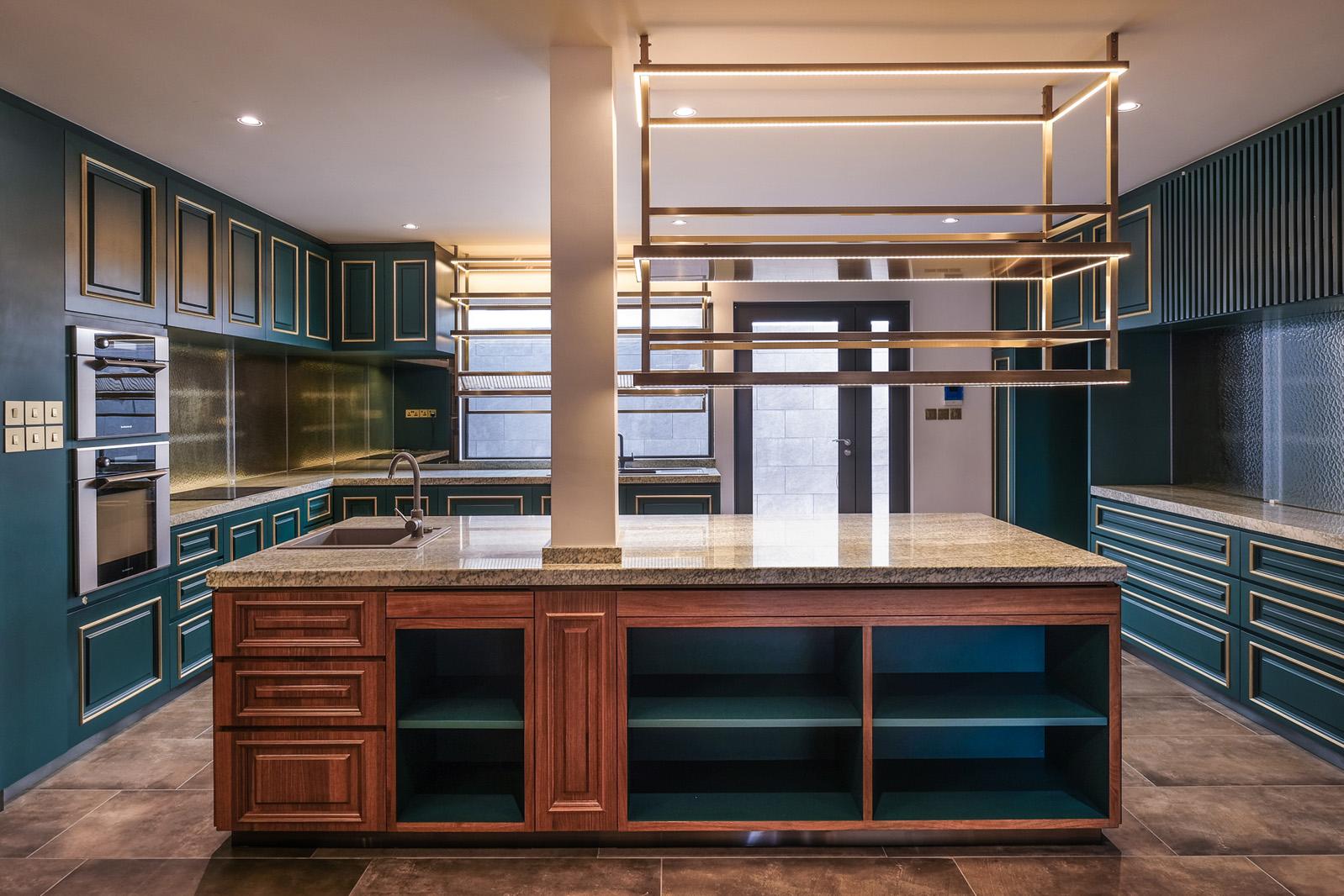 170CRW_kitchen1