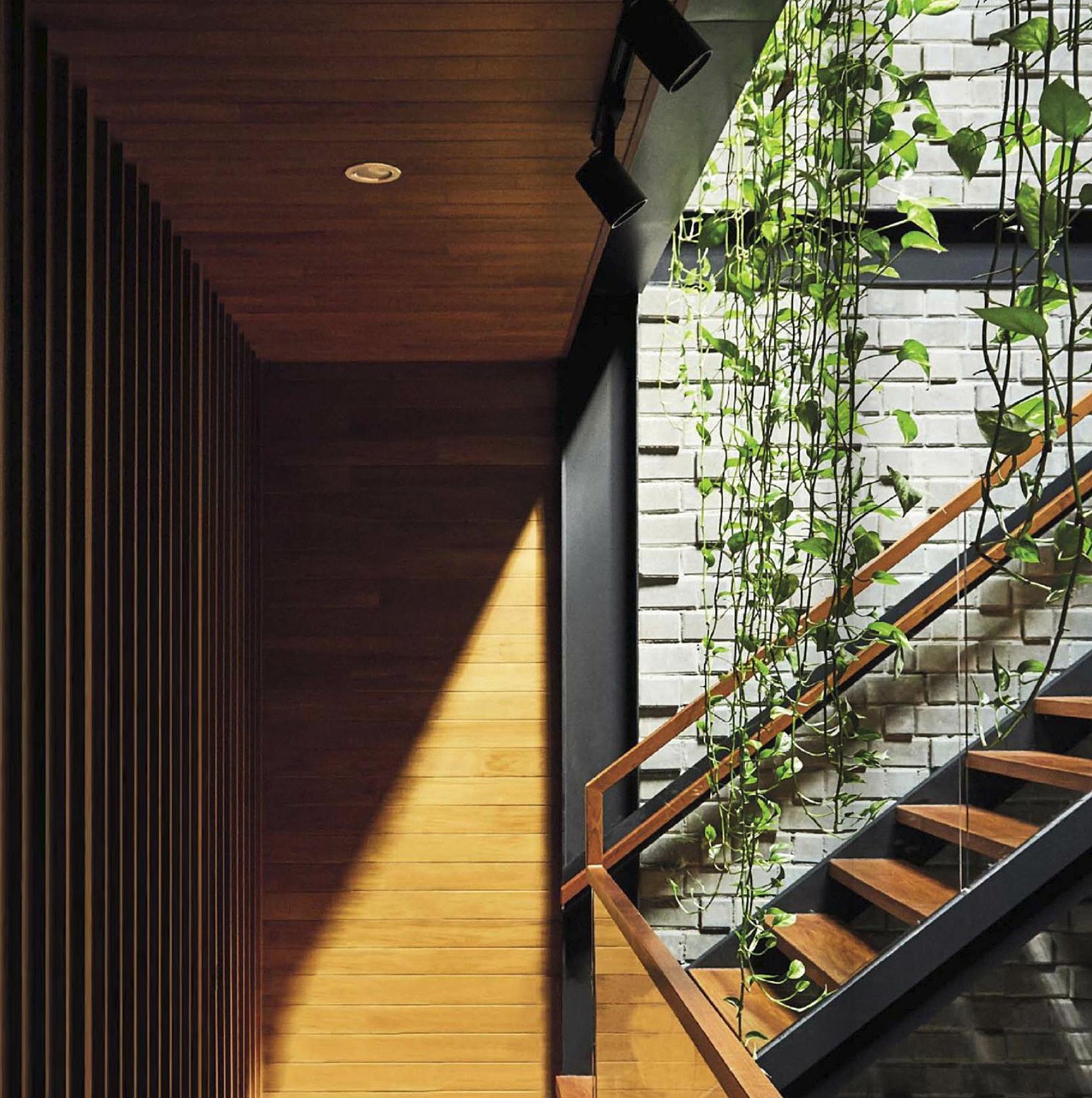 Medway_green interior