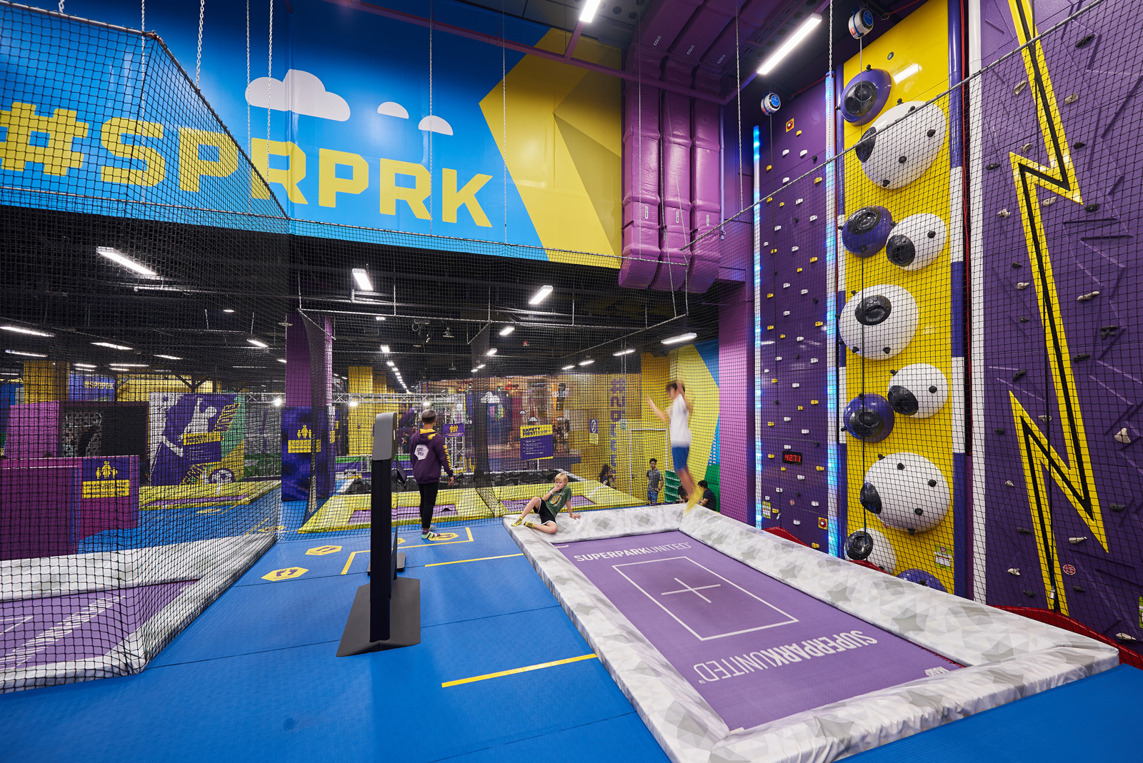SuperPark_SC_Interior2